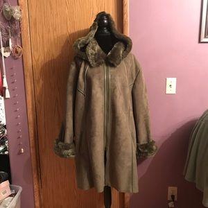 Curvy size coat. Warm, roomy, New